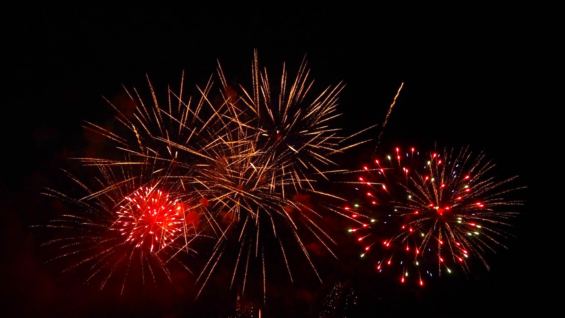 video du feu d'artifice de oissel 2015